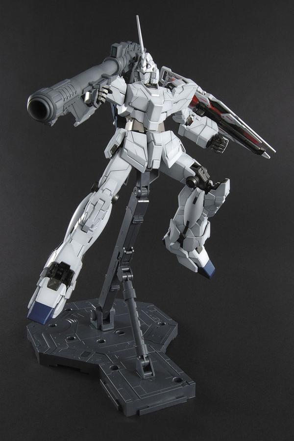 MG 1/100 Unicorn Gundam (OVA Ver.)