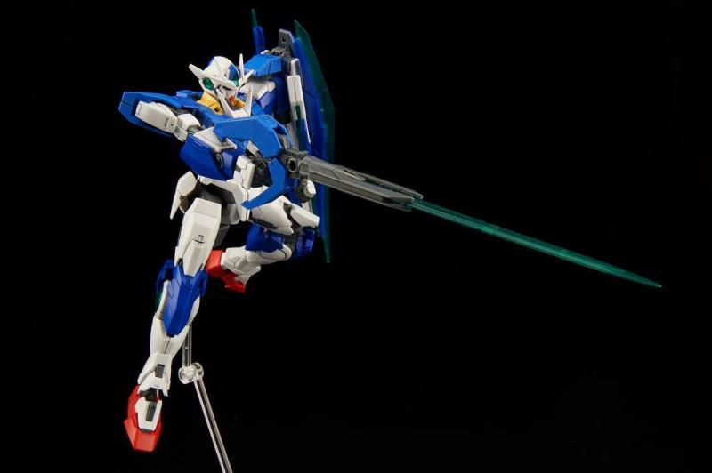 [21] GNT-0000 00 QAN[T] Gundam (RG)