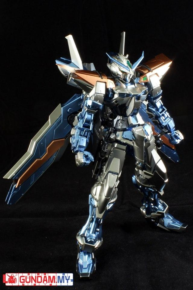 Special Coating : MG 1/100 Gundam Astray Blue Frame Second Revise (Third party paint job)